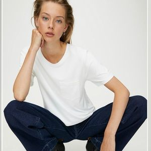 Wilfred Free pocket Tee from Aritzia